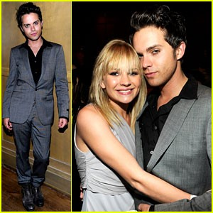 thomas-dekker-cw-upfront-party-with-britt-robertson