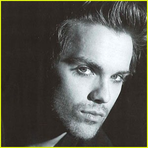 thomas-dekker-joins-plush-exclusive